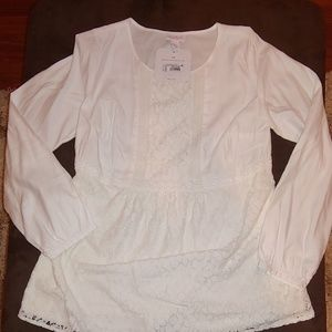 NWT Isabel Maternity Off-White and Lace Top. XS